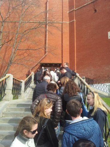 Очередь на вход в Кремль через Боровицкие ворота