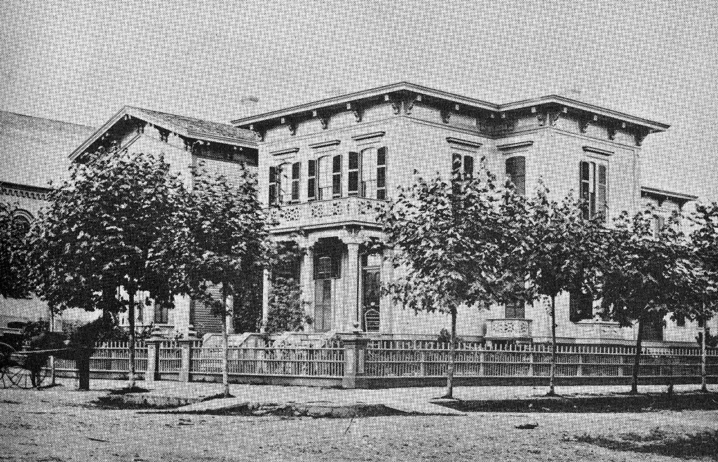 The Glisan / Holladay house on the south west corner of Third and Stark.