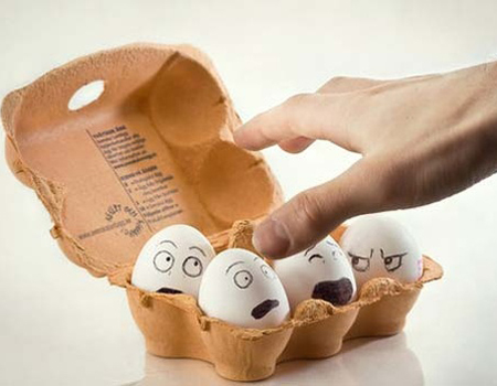 Оригинален подарък за Великден - яйца с личица
