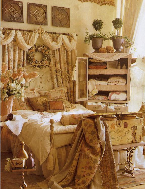 Pentimento, ELizabeth's shop
