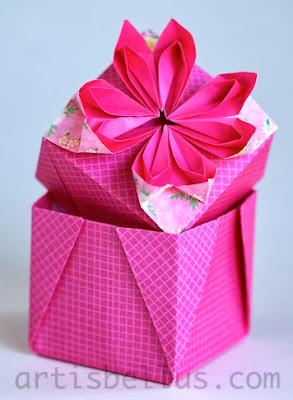 Origami Boxes: Daisy Box
