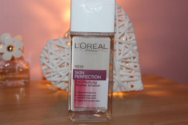 A Micellar water to remove makeup
