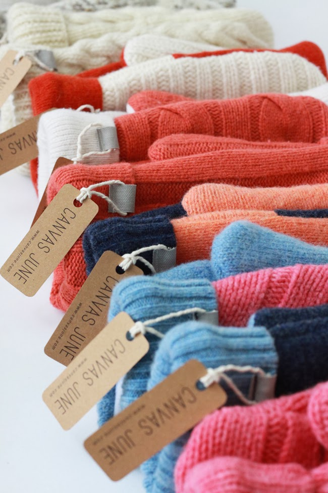 match colors, how to match colors, principle of color matching, color matching tool, colorful mittens, white and red mittens, orange mittens, blue mittens, canvas june mittens, color design