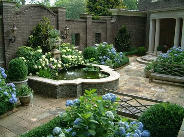 contoh membuat kolam ikan sederhana di halaman rumah