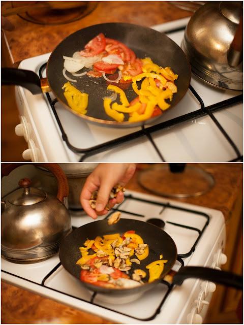 жарим мидии с овощами