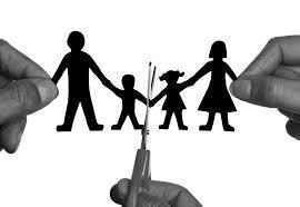 Menggunakan Jasa Advokat / Lawyer / Pengacara Praktek & Konsultan Hukum Perceraian