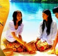 Assunta and Alessandra De Rossi in Baybayin