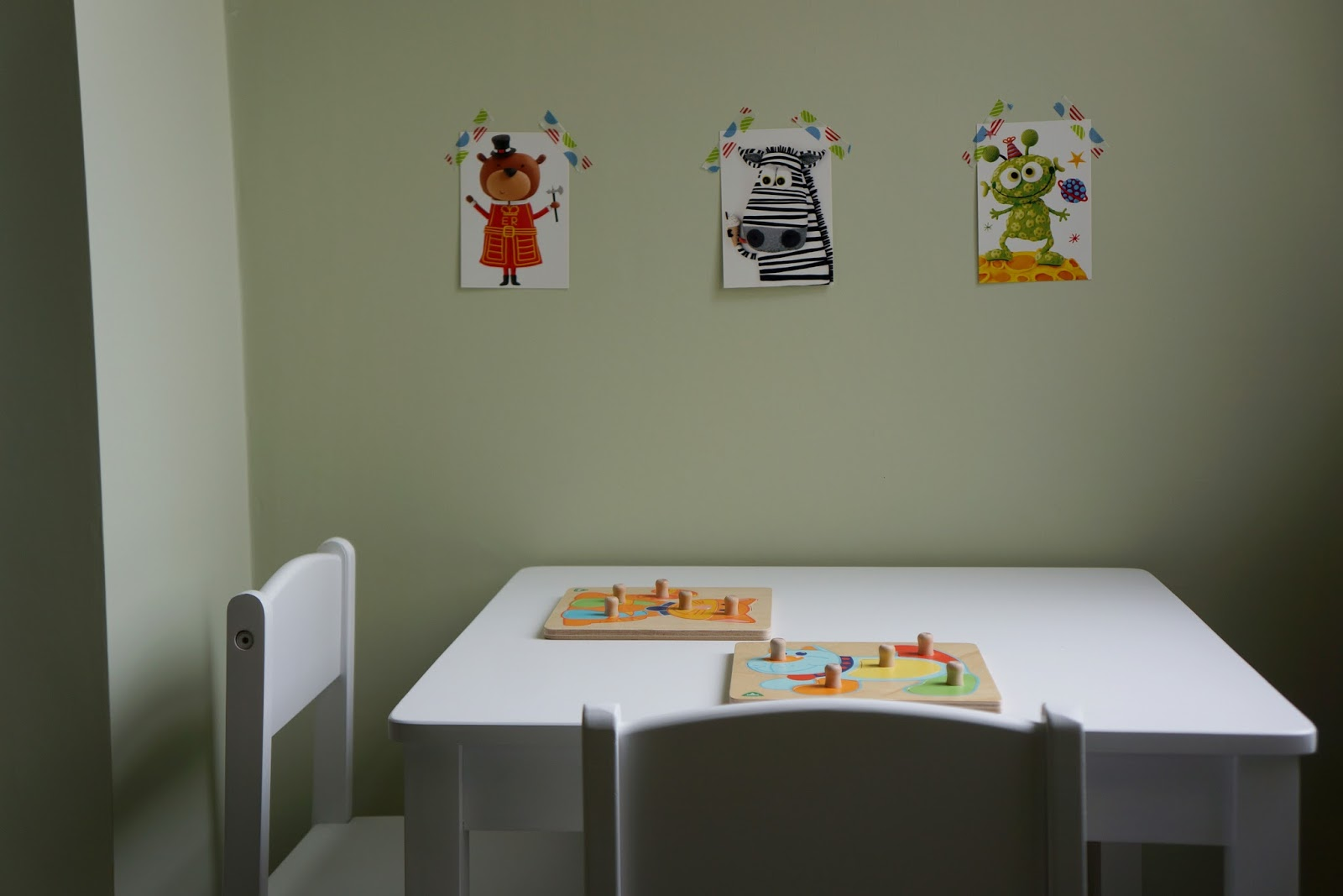 Kidkraft child size table and chairs