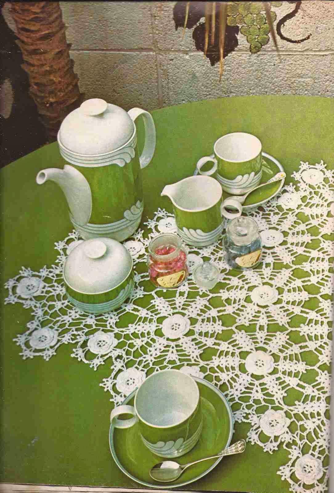"Capullos"" a Crochet | Doily | Pinterest | Crochet, Bud and Mesas"