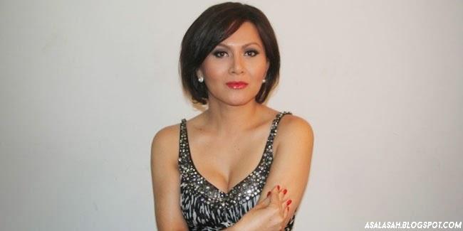 http://asalasah.blogspot.com/2014/11/foto-solena-chaniago-transgender-seksi.html