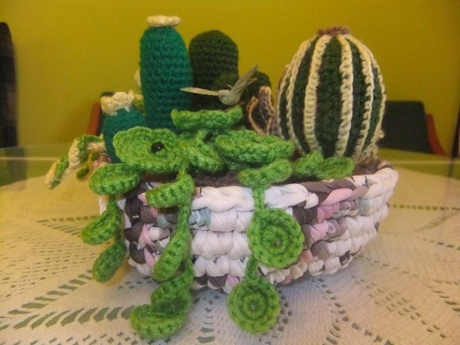 Tu moda en complementos hechos a mano cactus de ganchillo for Centros de mesa de ganchillo