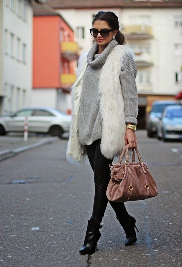 how to style a sweater, how to style a long cardigan, black leather skirt, sweater weather, how to wear a sweater, how to wear a cardigan, sweater with a skirt, chunky sweater, long sweater,