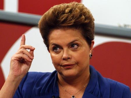 """""""Não vamos abraçar a corrupção, mas não serei pautada pela mídia"""", diz Dilma Rousseff"""