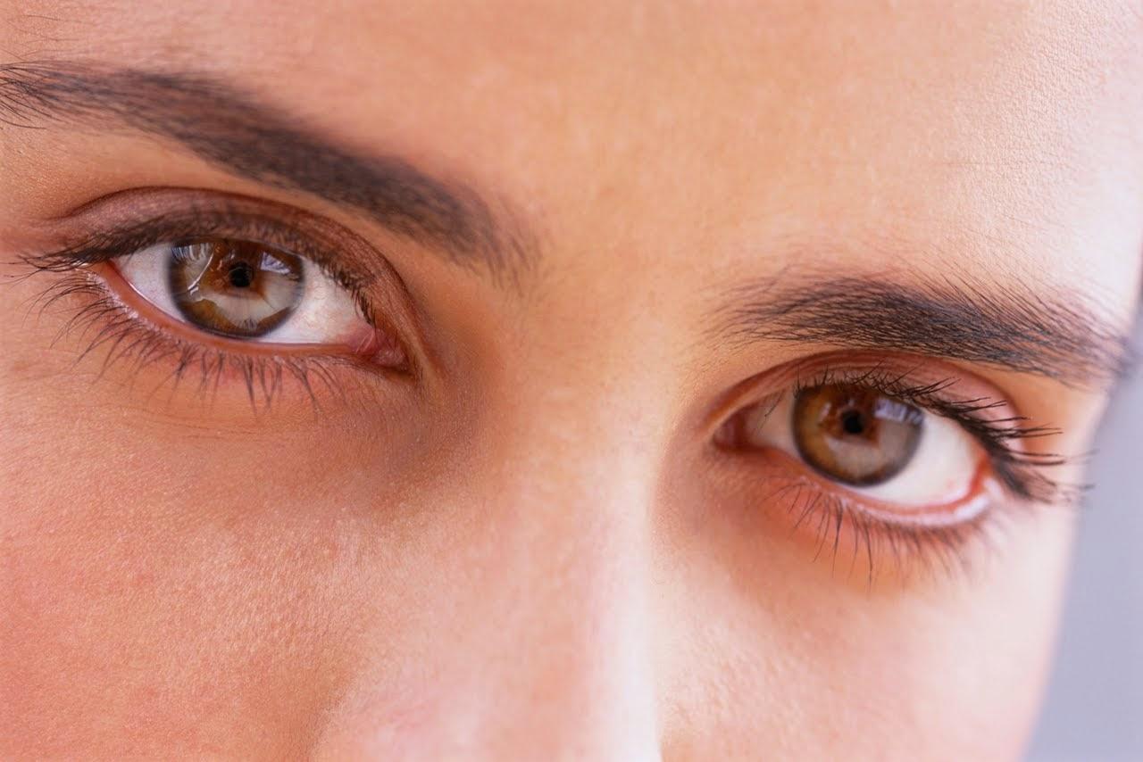 Mata lesu dan tidak bermaya di sebalik kecantikan