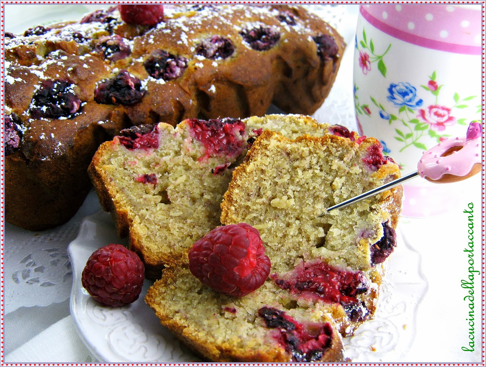 banana bread  al farro, con lamponi freschi / banana bread with spelled, with fresh raspberries