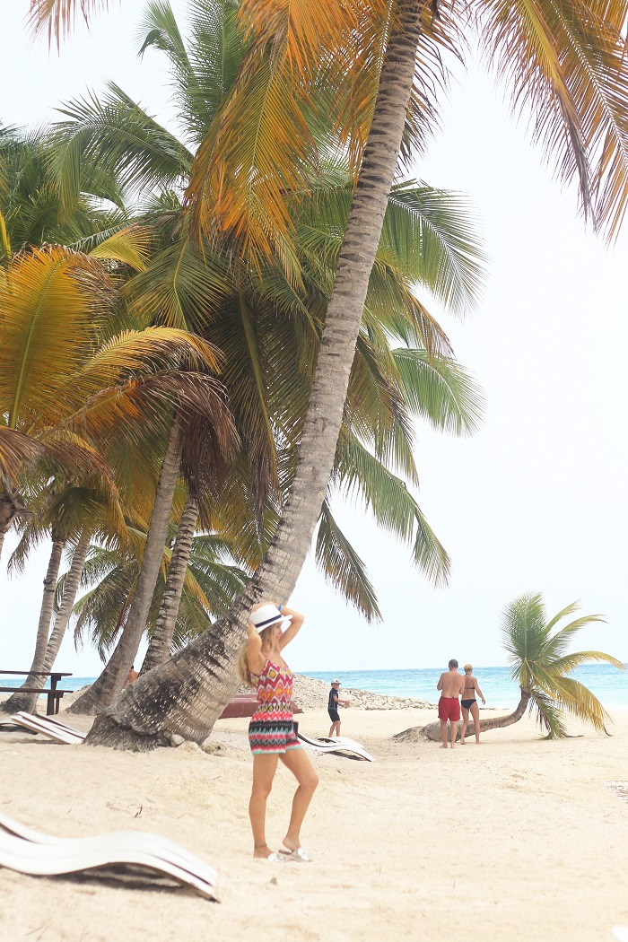 Começo esta semana a mostrar-vos o nosso último dia na República Dominicana, a visita à Ilha Saona, e terminamos assim os artigos sobre esta viagem fantástica. Look do dia/Outfit. Punta Cana. Macacão. Playsuit. Lipsy London. Michelle Keegan. Padrão étnico. Tendências. Primavera/Verão 2015. Style Statement. Blog de moda portugal. Travels. Viagens.