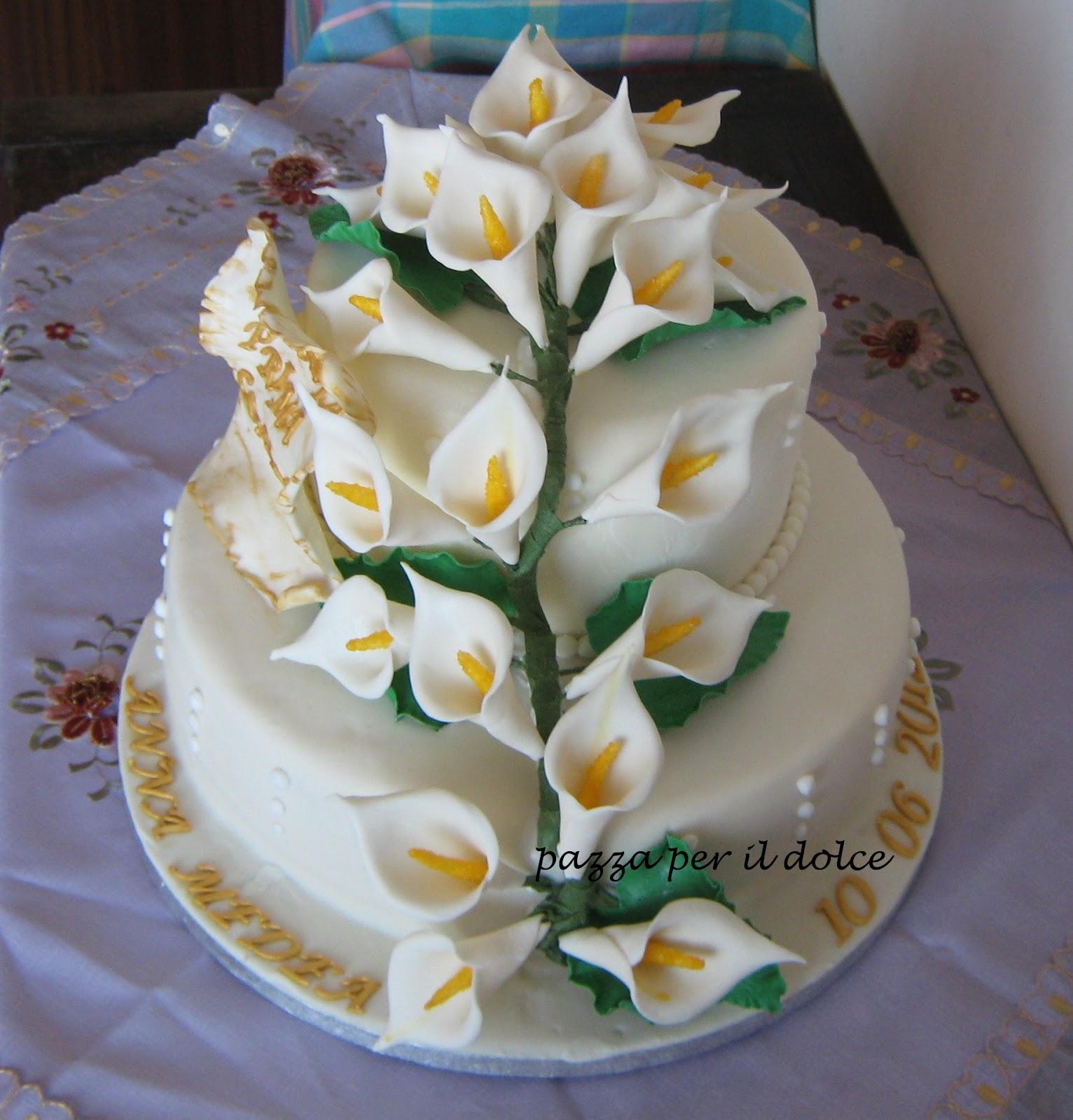 Pazza per il dolce torta a due piani per una prima comunione for Piani ed elevazione di due piani