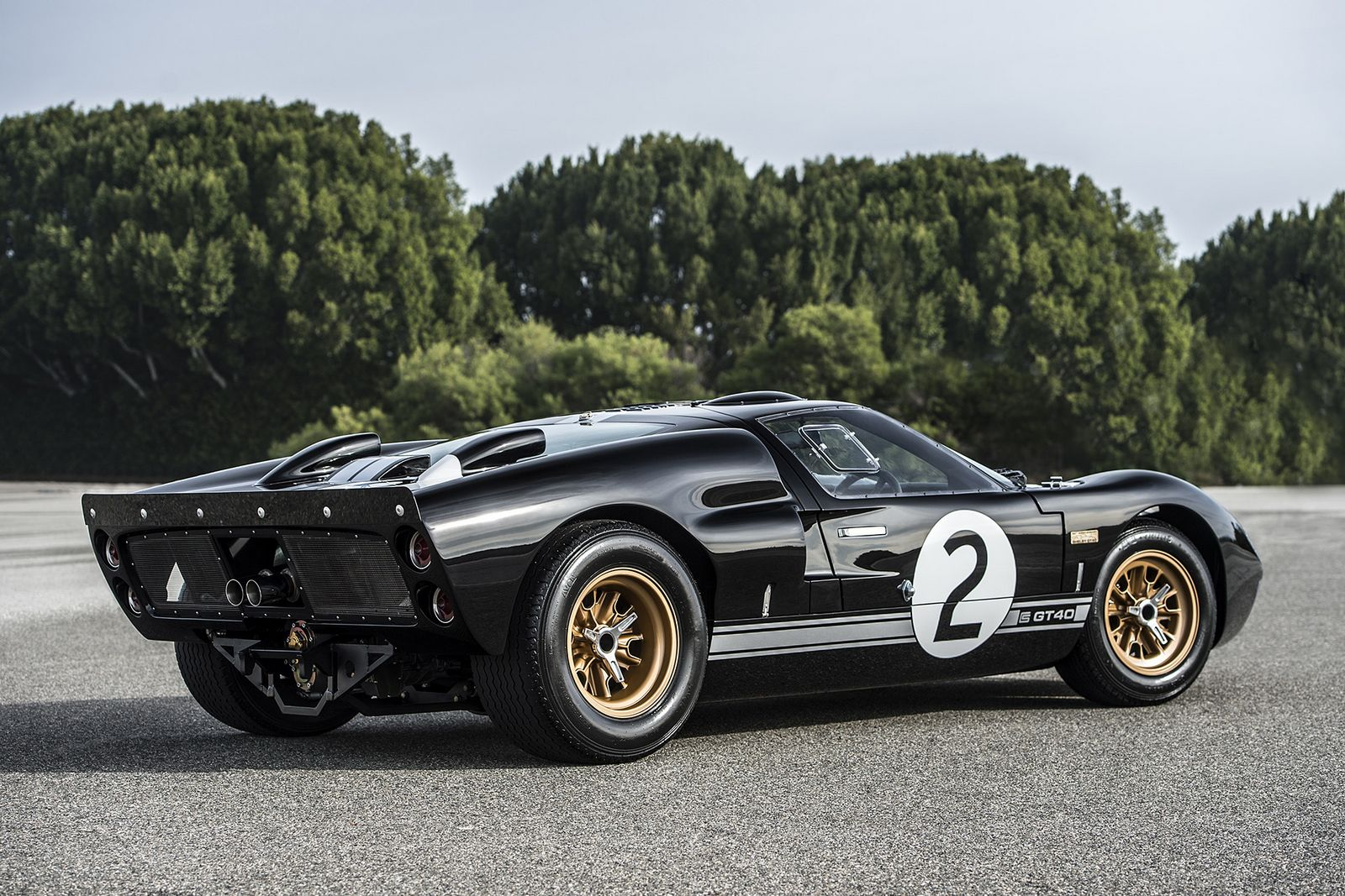 Gt40 For Sale >> GT40 50th Anniversary By Shelby And Superformance Is One Special Replica | Carscoops