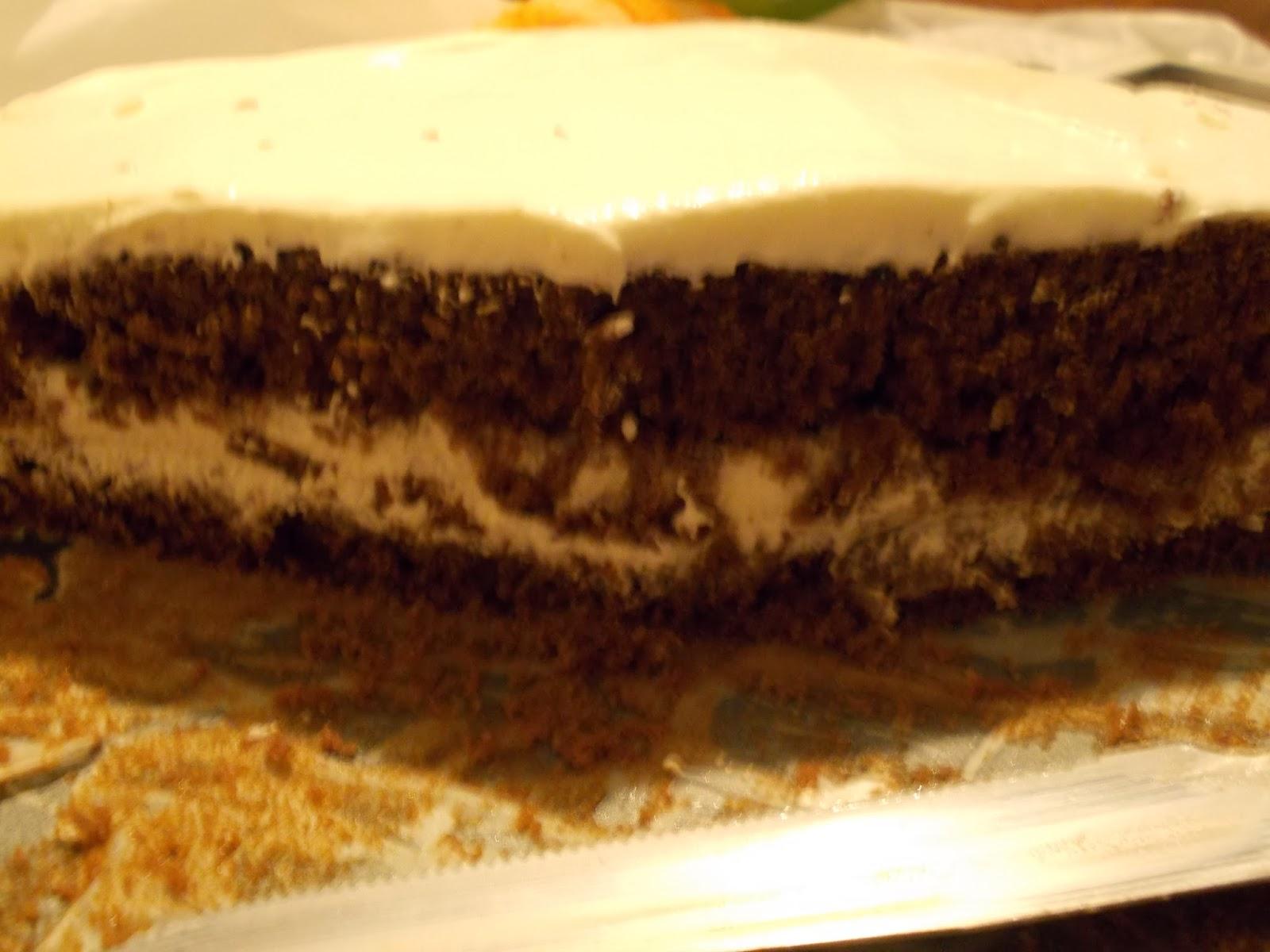 la merenda e' servita...torta moretta farcita con crema al latte