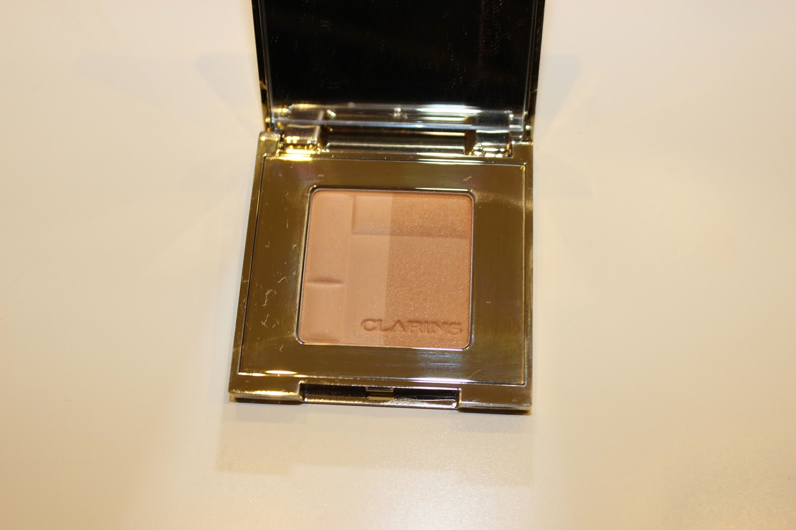 Clarins Bronzing duo Mineral Powder in Light