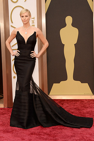 http://www.style.com/peopleparties/parties/slideshow/redcarpet-030214_oscars_2014/?iphoto=2