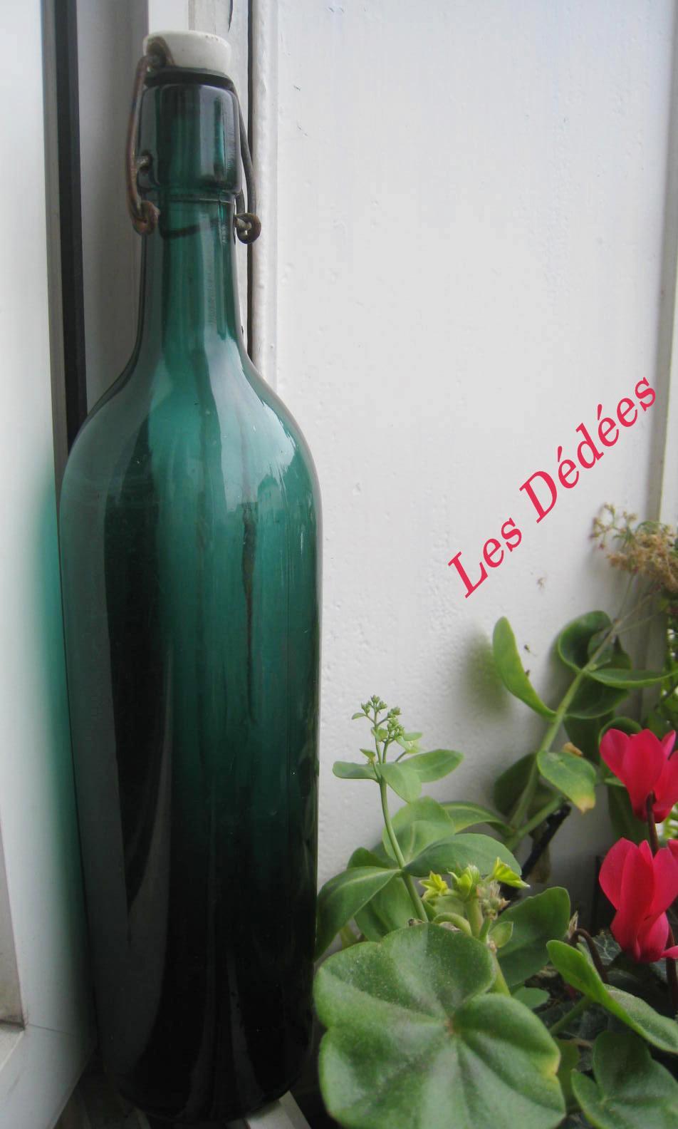 Les dedees : vintage, recup, creations: ANCIENNE BOUTEILLE \