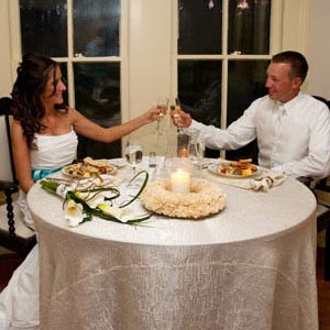 unusual wedding anniversary gift romantic dinner