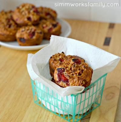 Strawberry Muffins with Greek Yogurt   http://www.simmworksfamily.com
