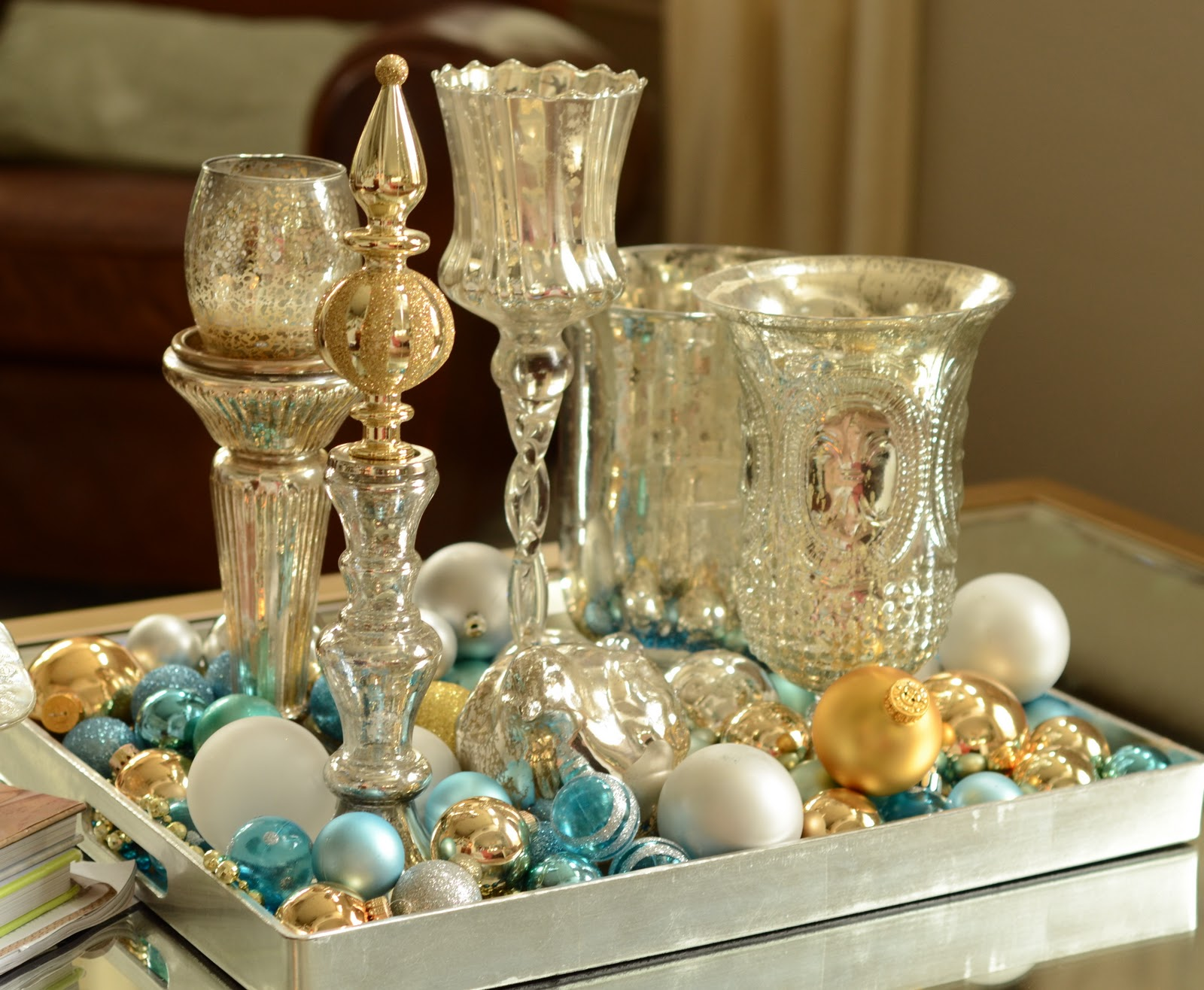 Silver and gold christmas decorations ideas table