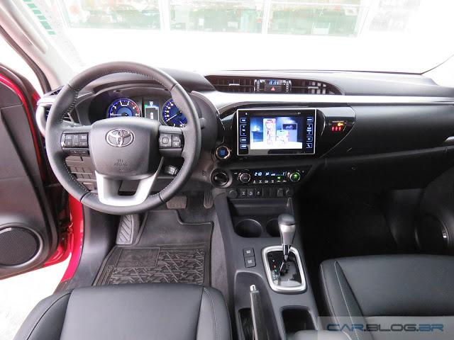 Toyota Hilux SRX A/T 2016 - sistema multimídia