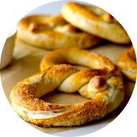 http://www.yammiesnoshery.com/2012/04/auntie-annes-pretzels-copycat-recipe.html