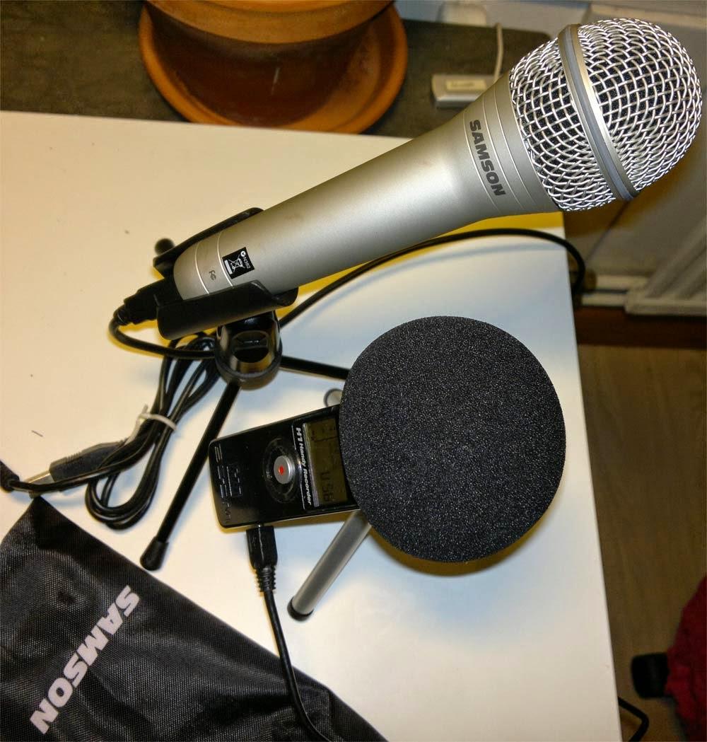 Samson 1QU och en Zoom H1 användes för inspelning av diskussion.