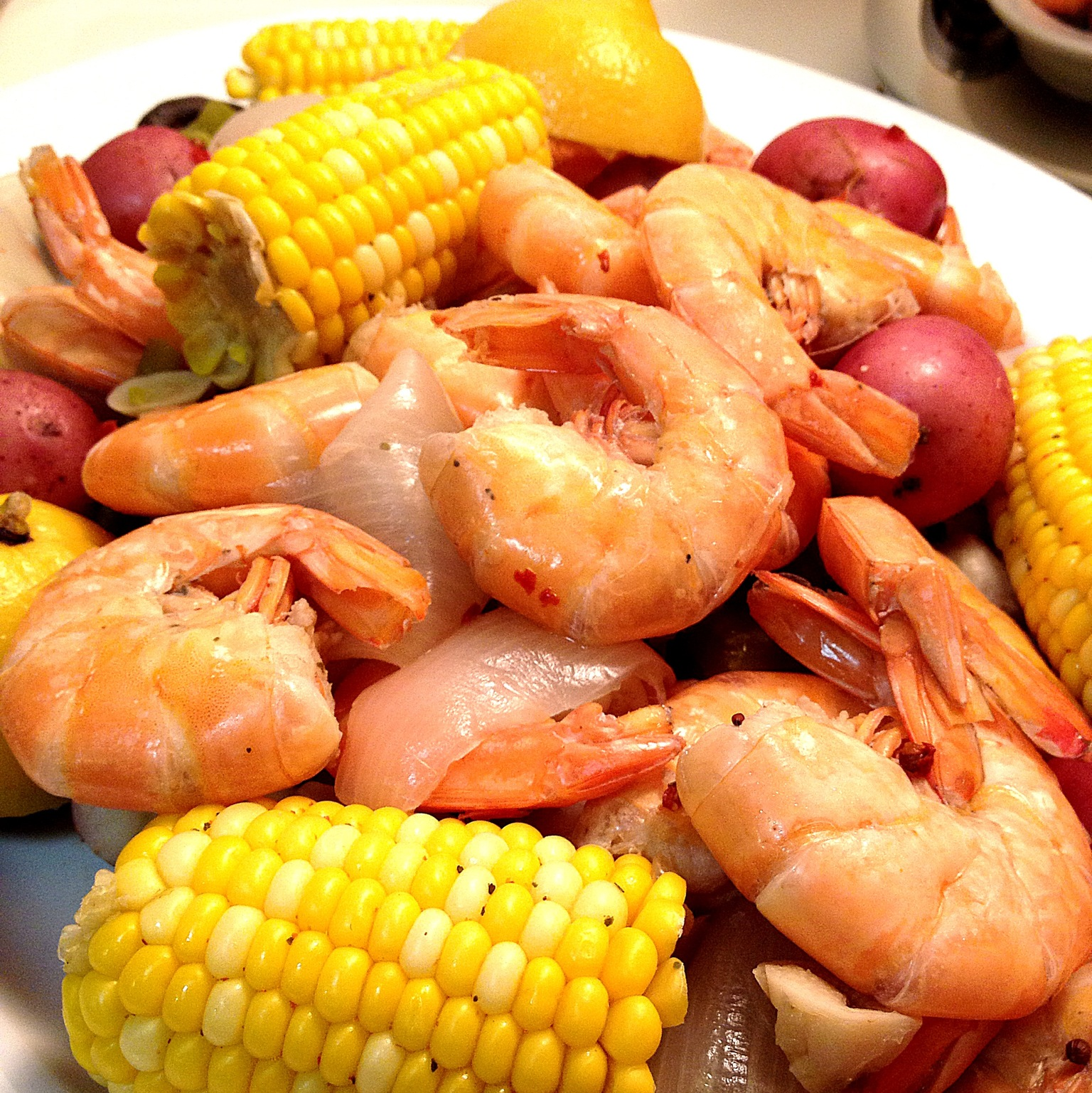boil how to boil and eat lobster lobster boil link family crawfish ...