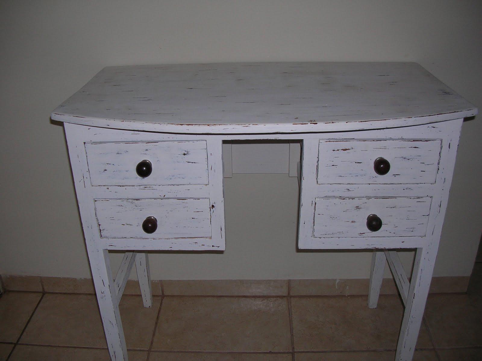 CASA COISAS & TAL: Artes dos leitores: uma escrivaninha e uma cadeira #433B34 1600x1197