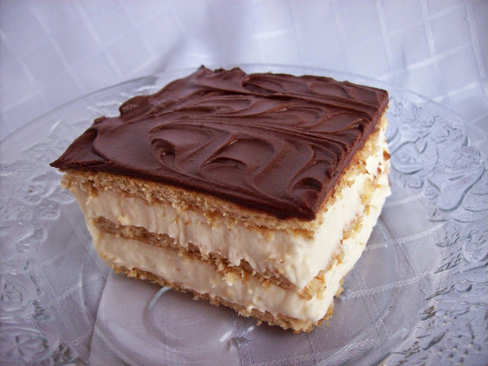 Stuffed At the Gill's: Chocolate Eclair Cake