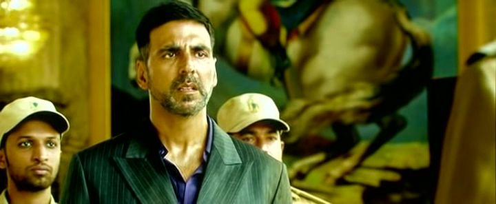 Screen Shot Of Hindi Movie Watch Online Airlift 300MB DVDScr Full Movie Free Download