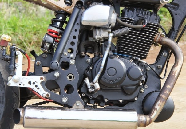 Modifikasi Honda Tiger Konsep Minor Fighter Bergaya Vintage