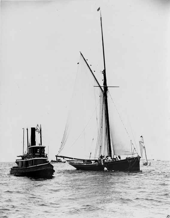 Puritan, sloop de 1885 Genesta+after+Collision+with+Puritan