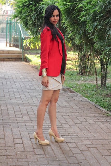 new year outfit, short dress, golden dress, long hair, red blazer, red and gold, how to wear red and gold, mumbai fashion blogger, streetstyle, outfit, jane norman dress, H&M Blazer, looks for less, how to dress for a theme party