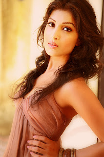 pallavi-sharda in hot suit and photography by her