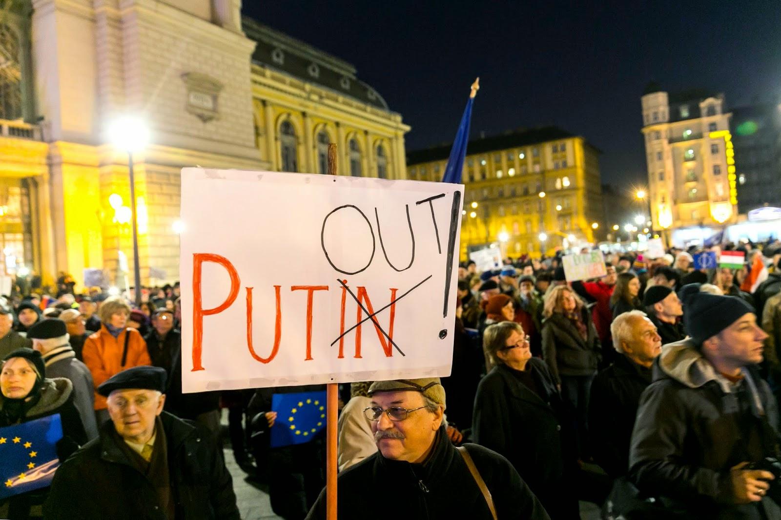 Budapest, demonstráció, Humán Platform, Orbán Viktor, Paks 2, Putyin Budapesten, Vlagyimir Putyin,