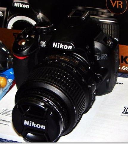 Nikon D3100. Versi baru D3000 ini memiliki semua fitur yang dibutuhkan ...