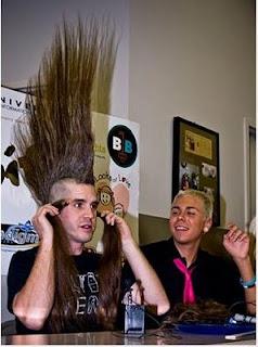 Gak penting rekor, gaya rambut mohawk tertinggi