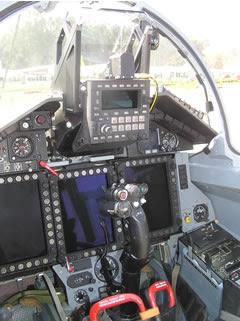 Cockpit do Mig-35.