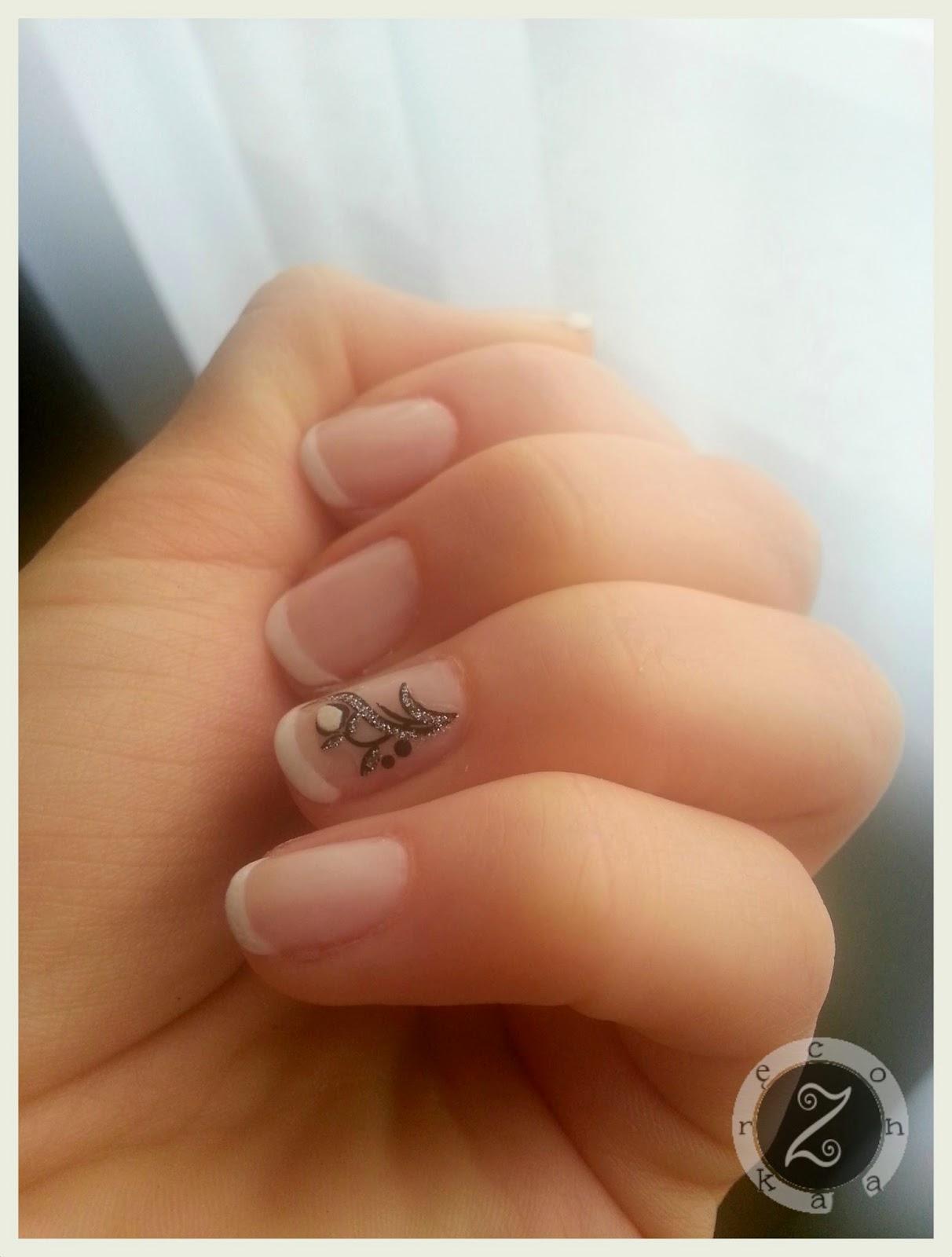 malowanie paznokci pędzlem