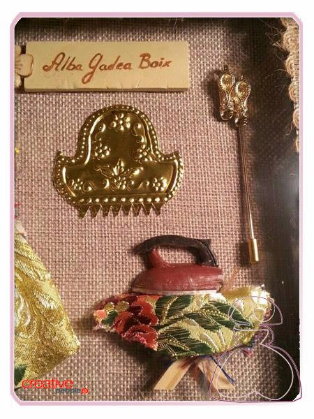 Más detalles de la cajita fallera en madera decorada a mano, modelo Vitrina realizada por Sylvia Lopez Morant.