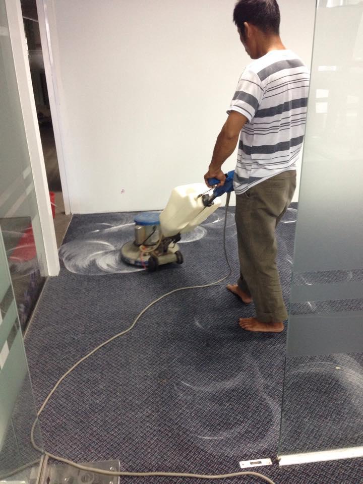 Chúng tôi nhận giặt thảm văn phòng tại tphcm