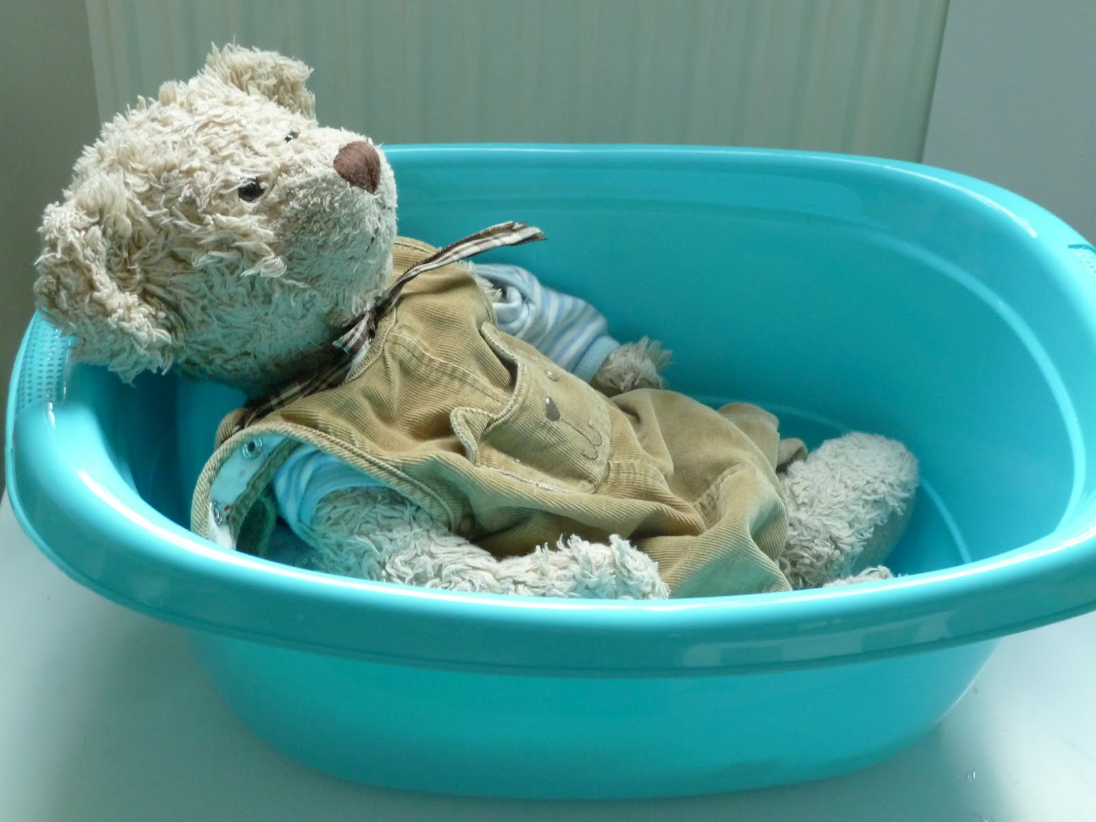 Bathing Baby Teddy-Bear (Photo from Elaine Ng Friis)