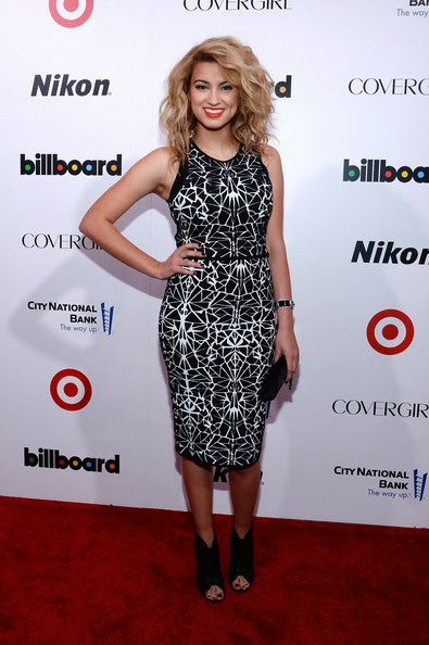 Tori Kelly Hairstyle
