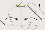 Bước 8: Gấp chéo 2 góc giấy vào phía trong, vị trí gấp là đường đứt đoạn như hình vẽ dưới.